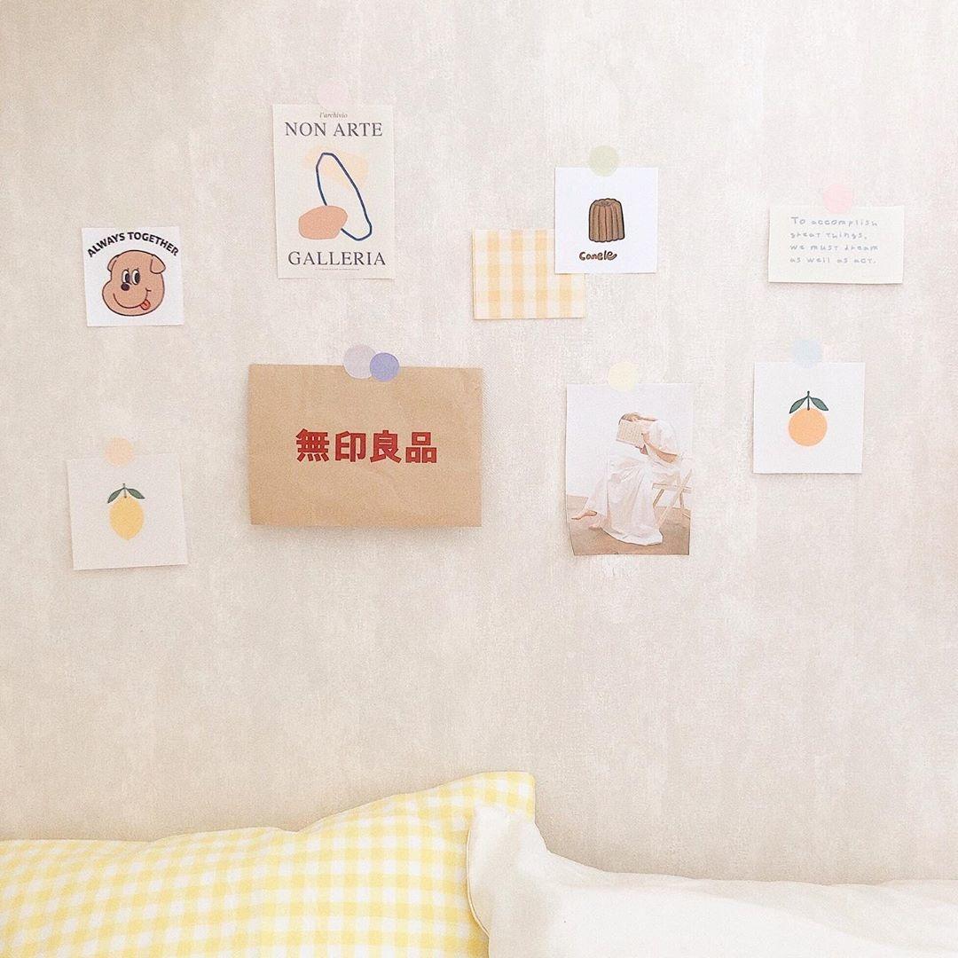 ① 壁にデコレーション