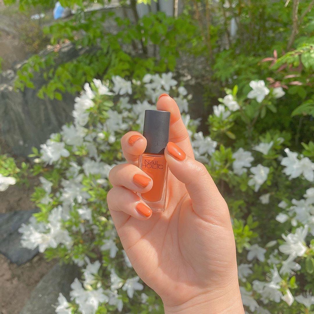 真夏の青にオレンジを合わせて