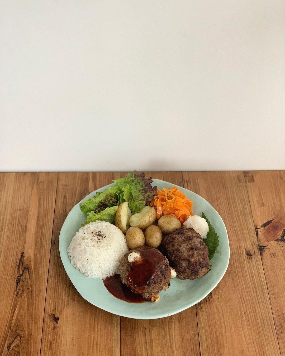 1|ガッツリ食べて欲しい'ハンバーグ'
