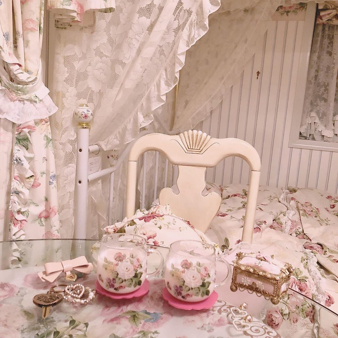 天蓋付きベッドはお姫様の証なの