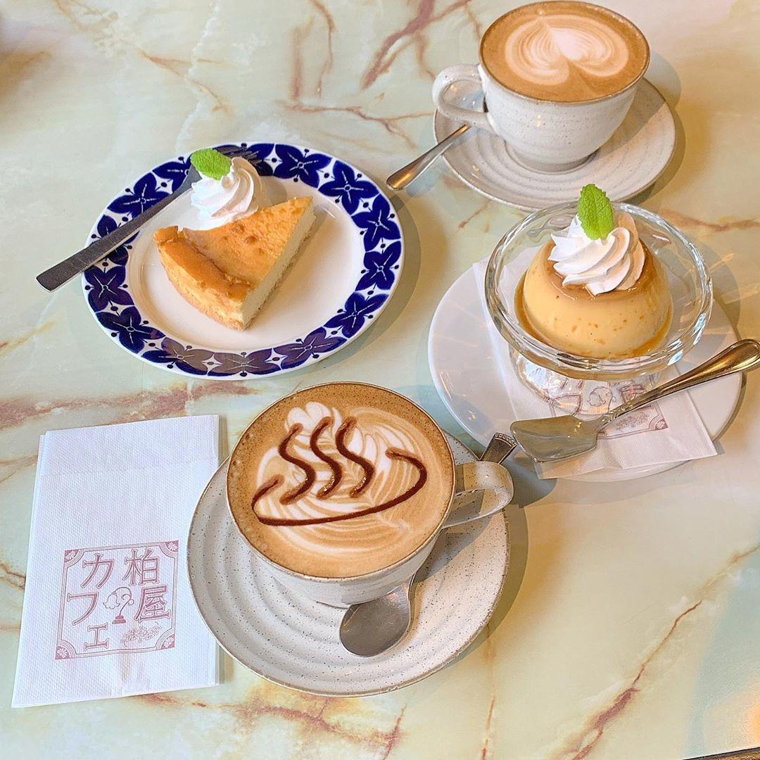 温泉マークのカプチーノ 柏屋カフェ