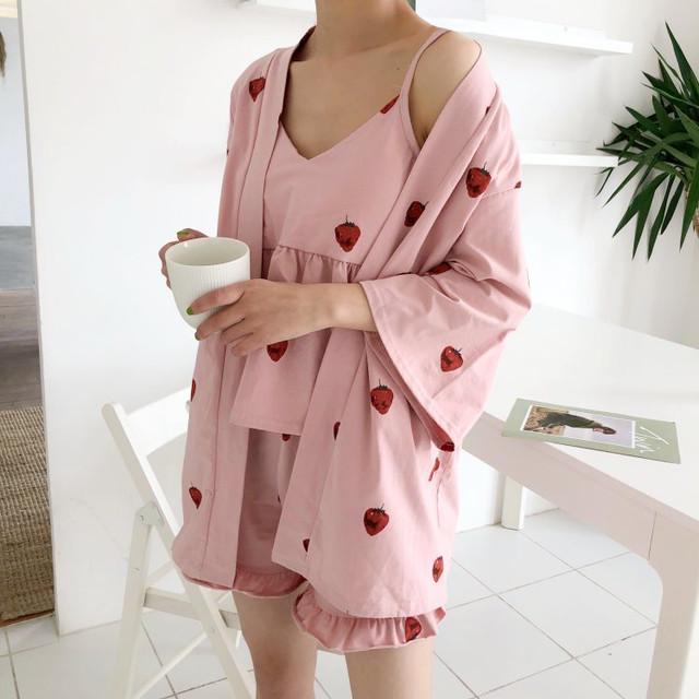 Strawberry Pattern room wear