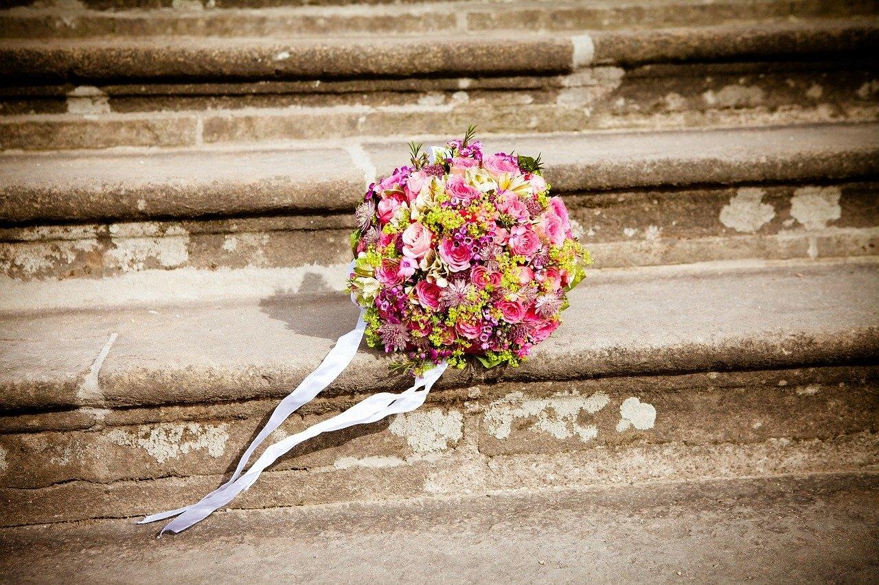 初めて招待された結婚式にドキドキ!事前にCHECKしたいマナールール4項目