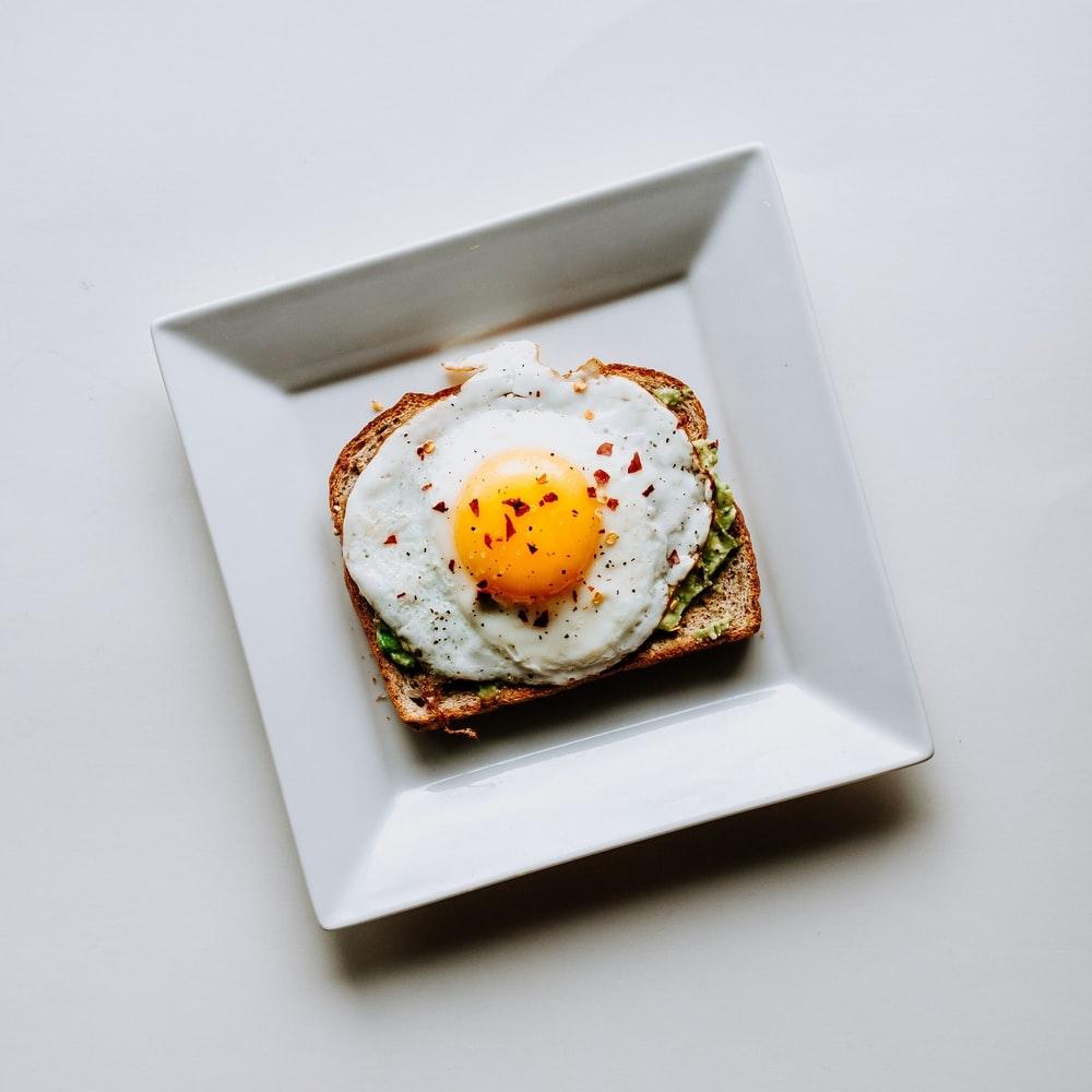 """定番化した朝食にワクワクを。""""おはよう""""が楽しみになるホットサンドレシピ15選"""