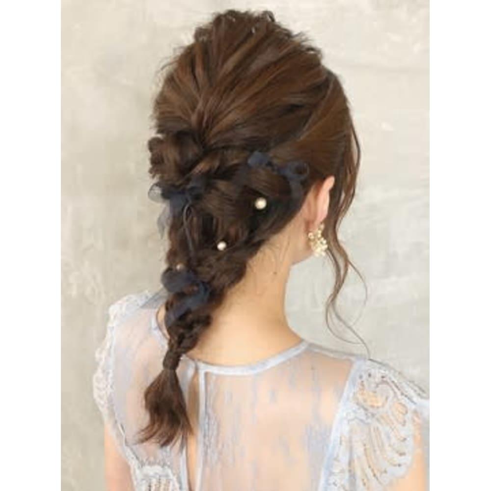 結婚式の髪形は編み込みアレンジで決定!こなれ感抜群のお呼ばれヘアを覗いてみて♡