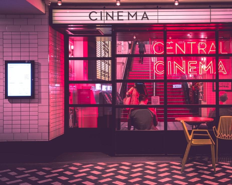 |4|映画に誘う