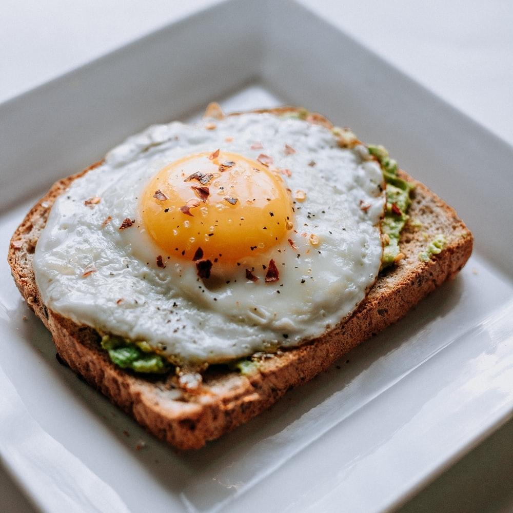 01|朝はゆっくりと食事をする