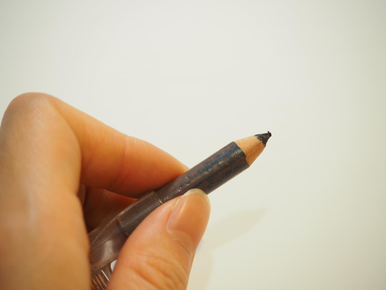 その2|ペンシルで輪郭を描く