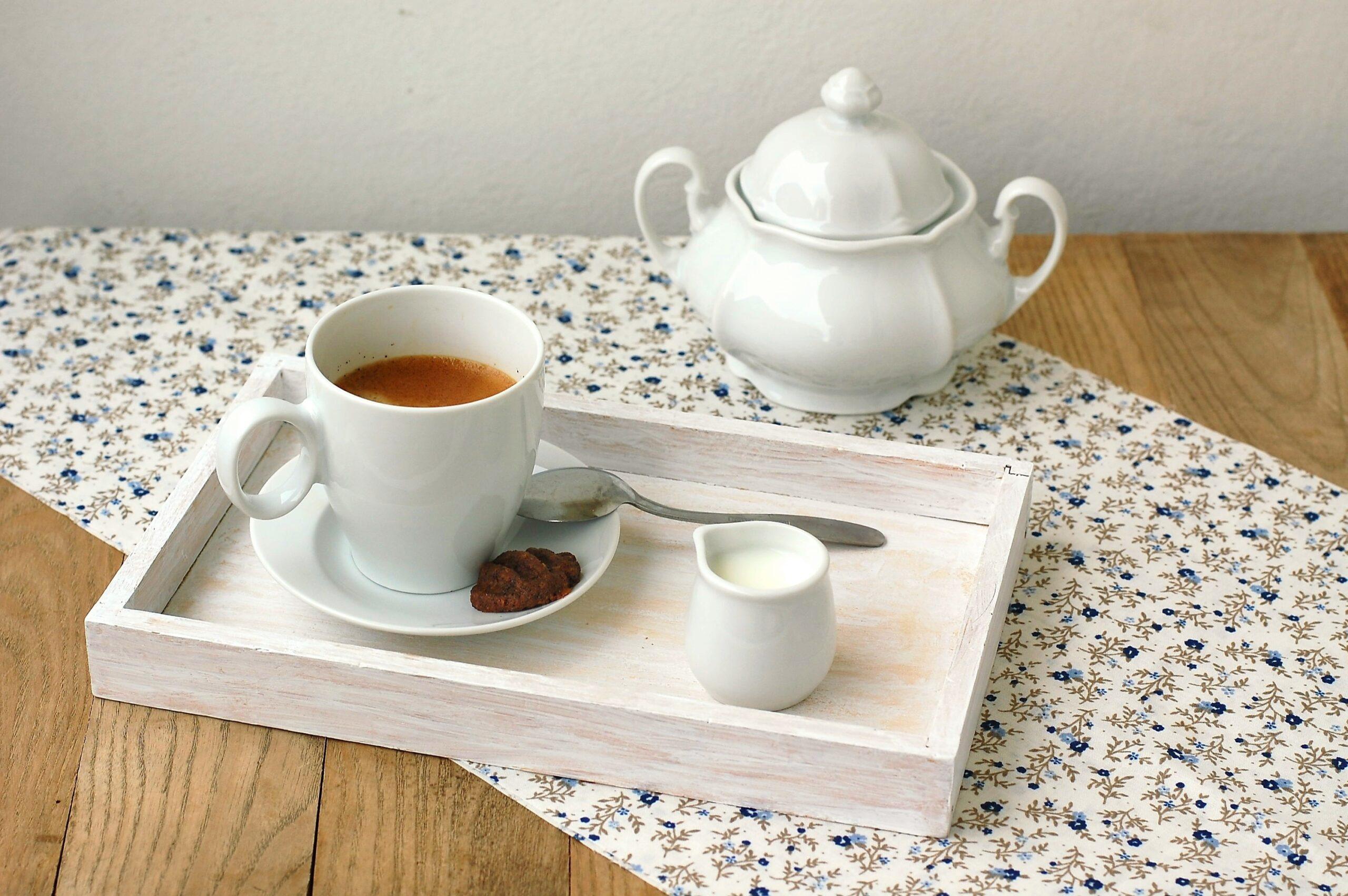 ノンカフェイン紅茶を飲んでホッと一息