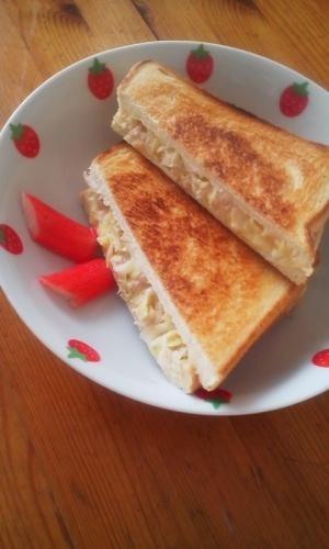 朝食に♪ツナとキャベツとチーズのホットサンド