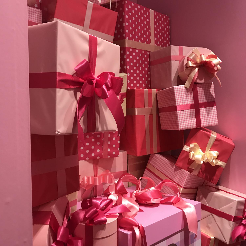 :サプライズで、プレゼントをあげる