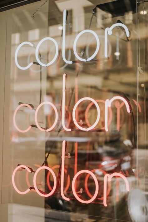 色とファッションの関係を上手く使って