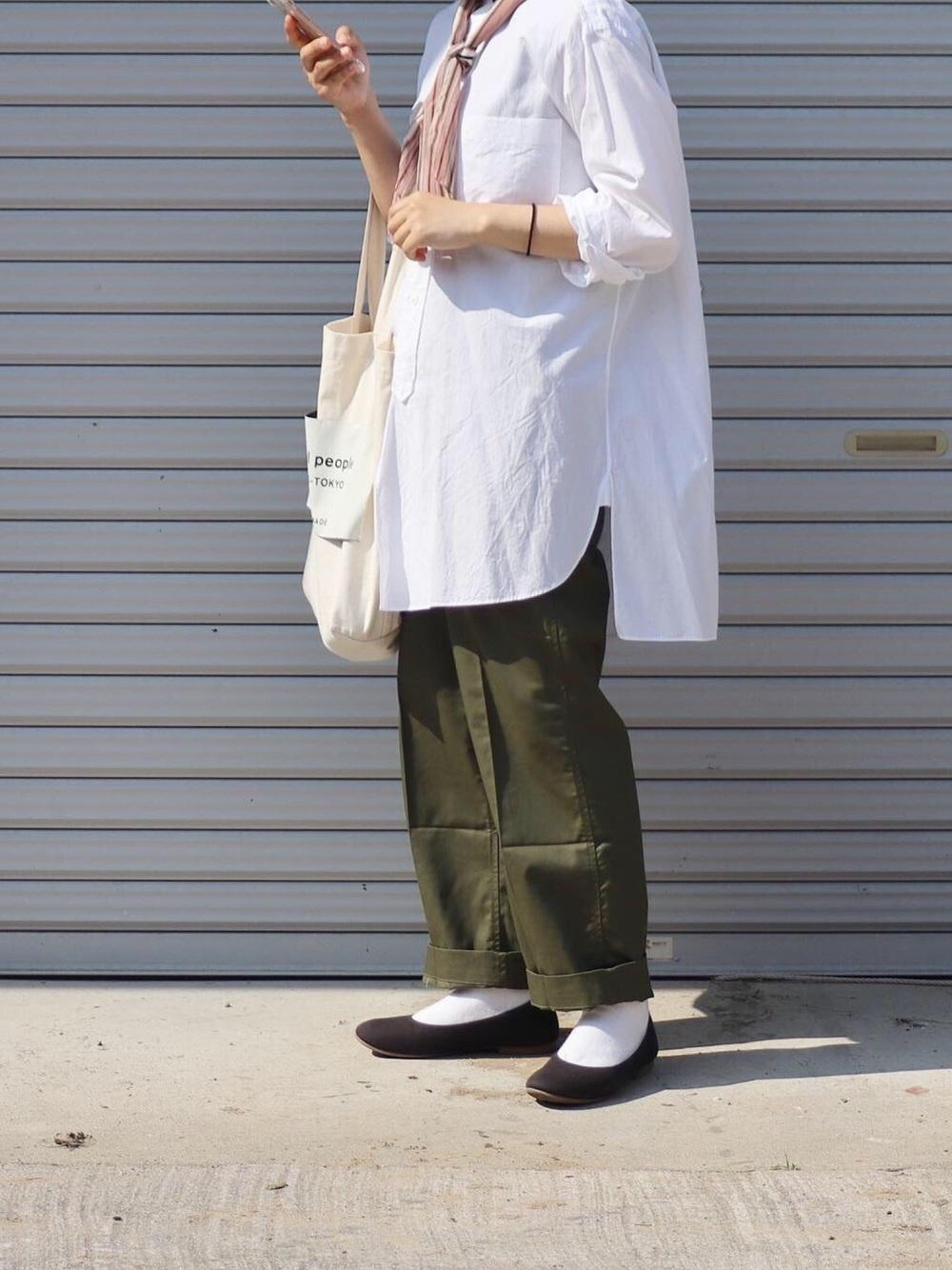 白シャツの着まわしコーデ