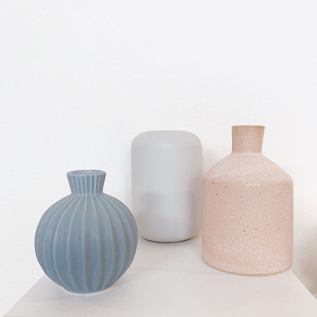 1_落ち着いた印象のマット系花瓶