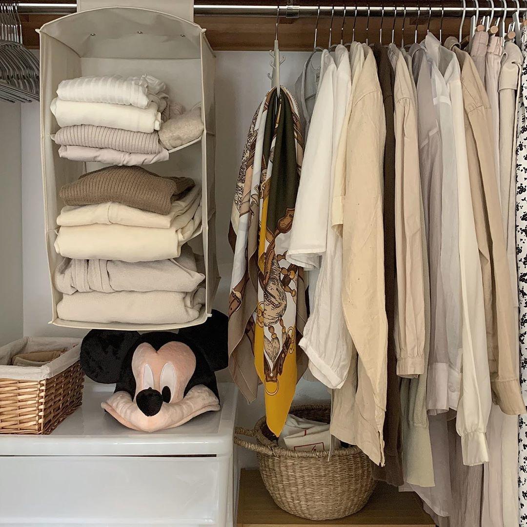 畳んだ洋服も吊るして収納