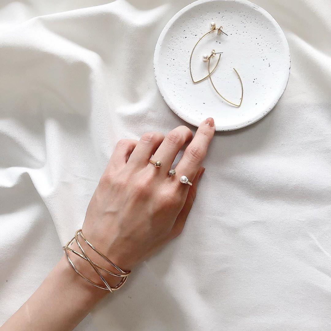 ユニークなデザインのリング