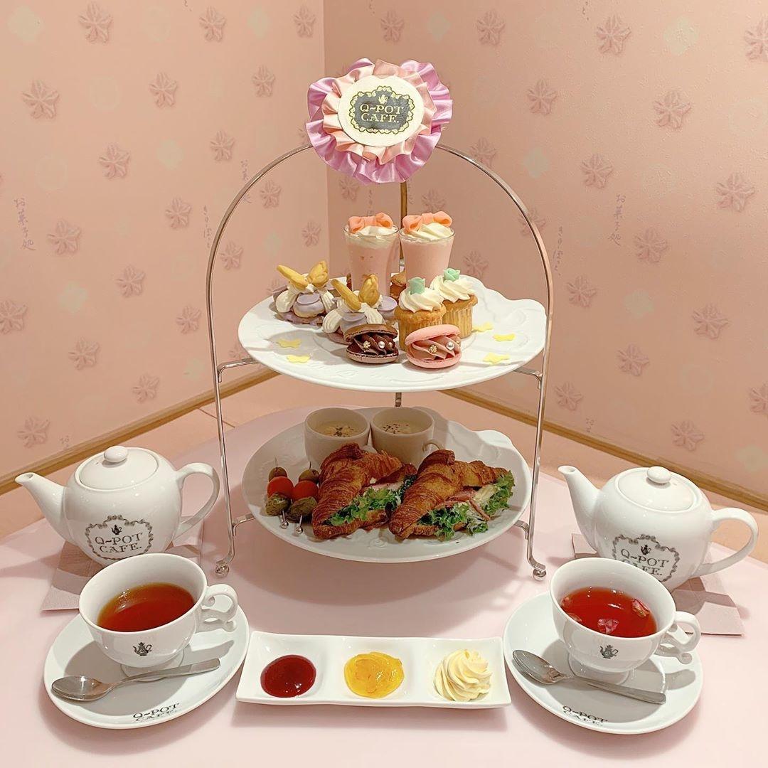 紅茶を注ぐときはスタッフの方にお願い