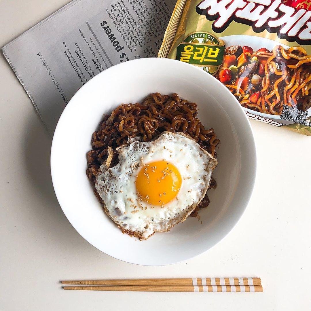 ○ジャージャー麺○