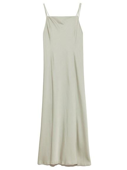 サテンキャミドレス