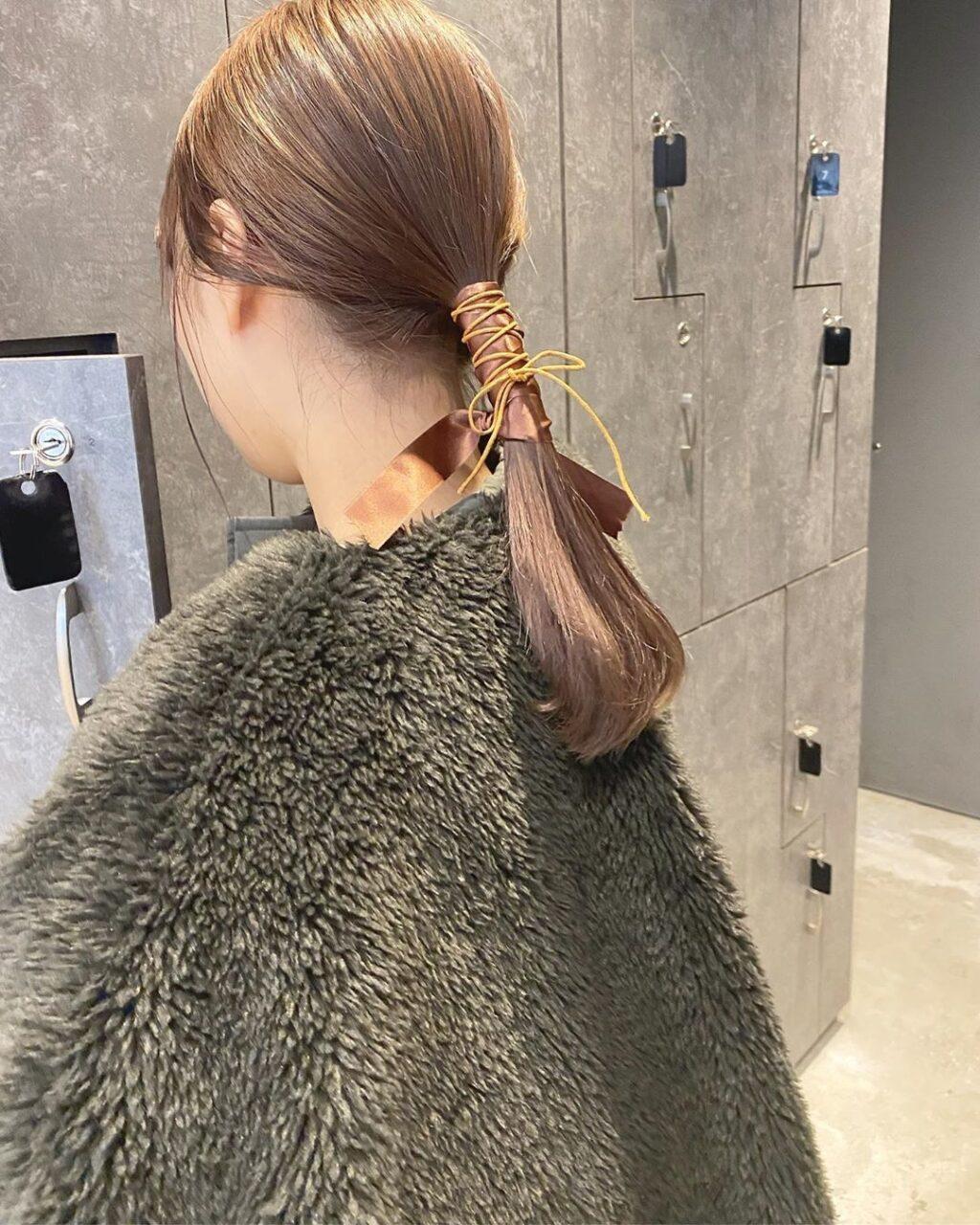 簡単にこなれて見えるヘアって何?紐を使ったぐるぐる巻きアレンジを徹底調査♡
