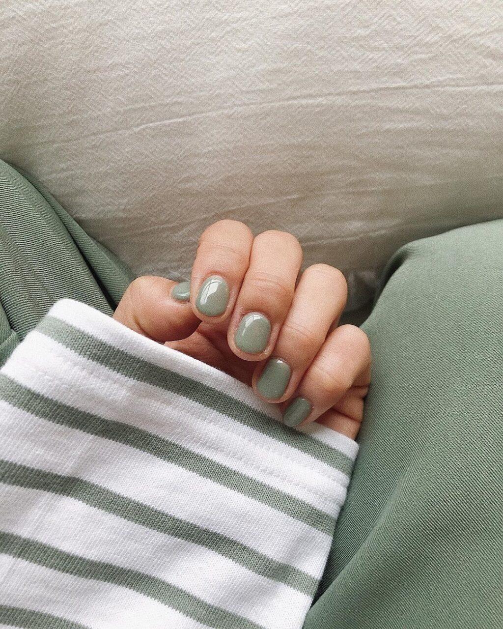 春のネイルカラーはGUの新作がお手本。トレンドを押さえた3色で春の爪を彩って