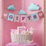 最初の贈り物はちゃんと選びたい。出産祝いでママに喜んでもらうプレゼント7選