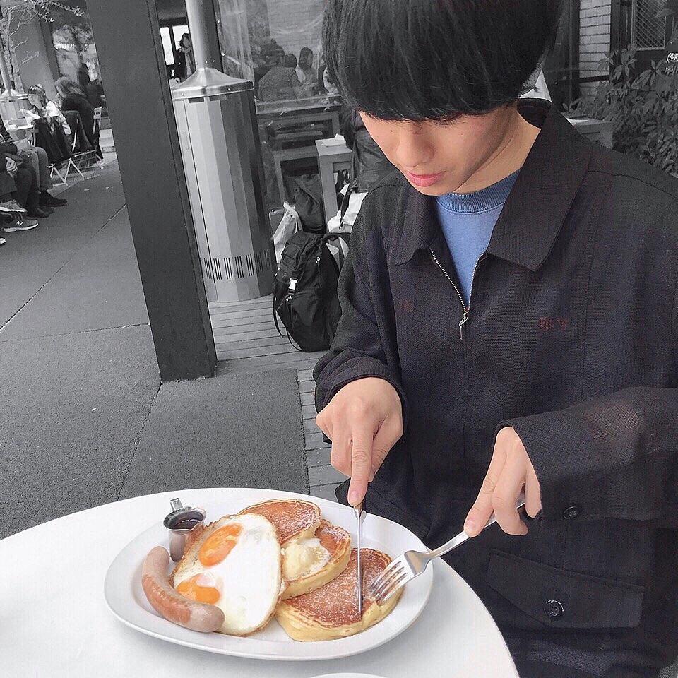 食べることが大好きな彼。そんな、ほおばり男子を連れていきたいオシャレなお店