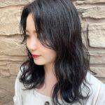 暗髪を諦めない♡ブルーやパープルを混ぜたカラーで、透明感溢れる清楚girlに