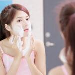 Q.顔に角栓ができる3つの原因って?脱・ゴシゴシ洗顔で褒められ肌になる方法