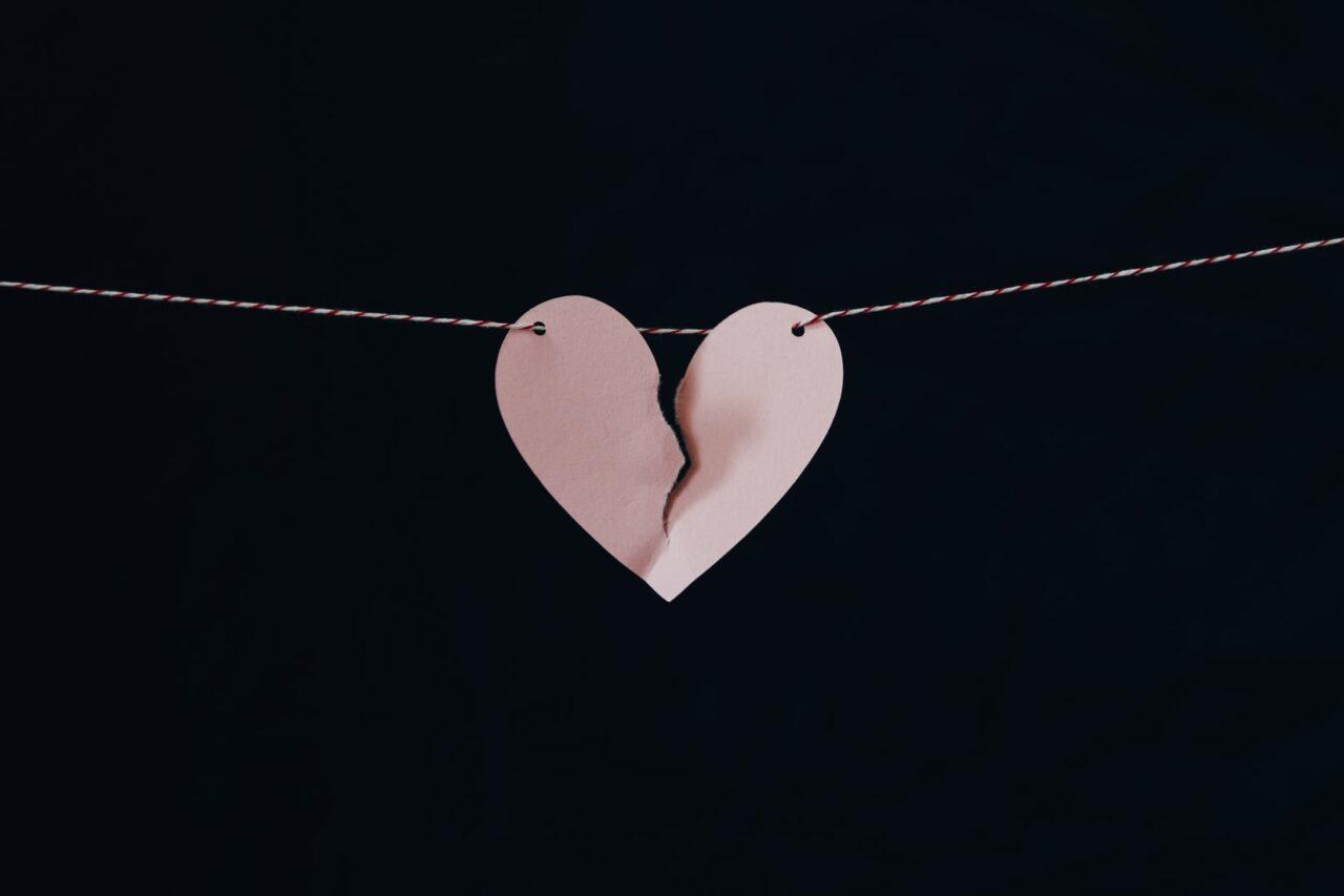 「別れてほしい」と言われた帰り道。失恋Girlに捧ぐ、心に染みる洋楽12曲