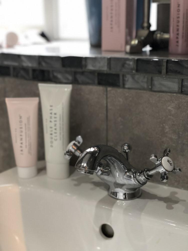 02:皮脂を抑える洗顔を