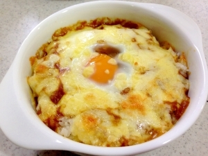 残ったカレーで☆とろとろ卵とチーズの焼きカレー