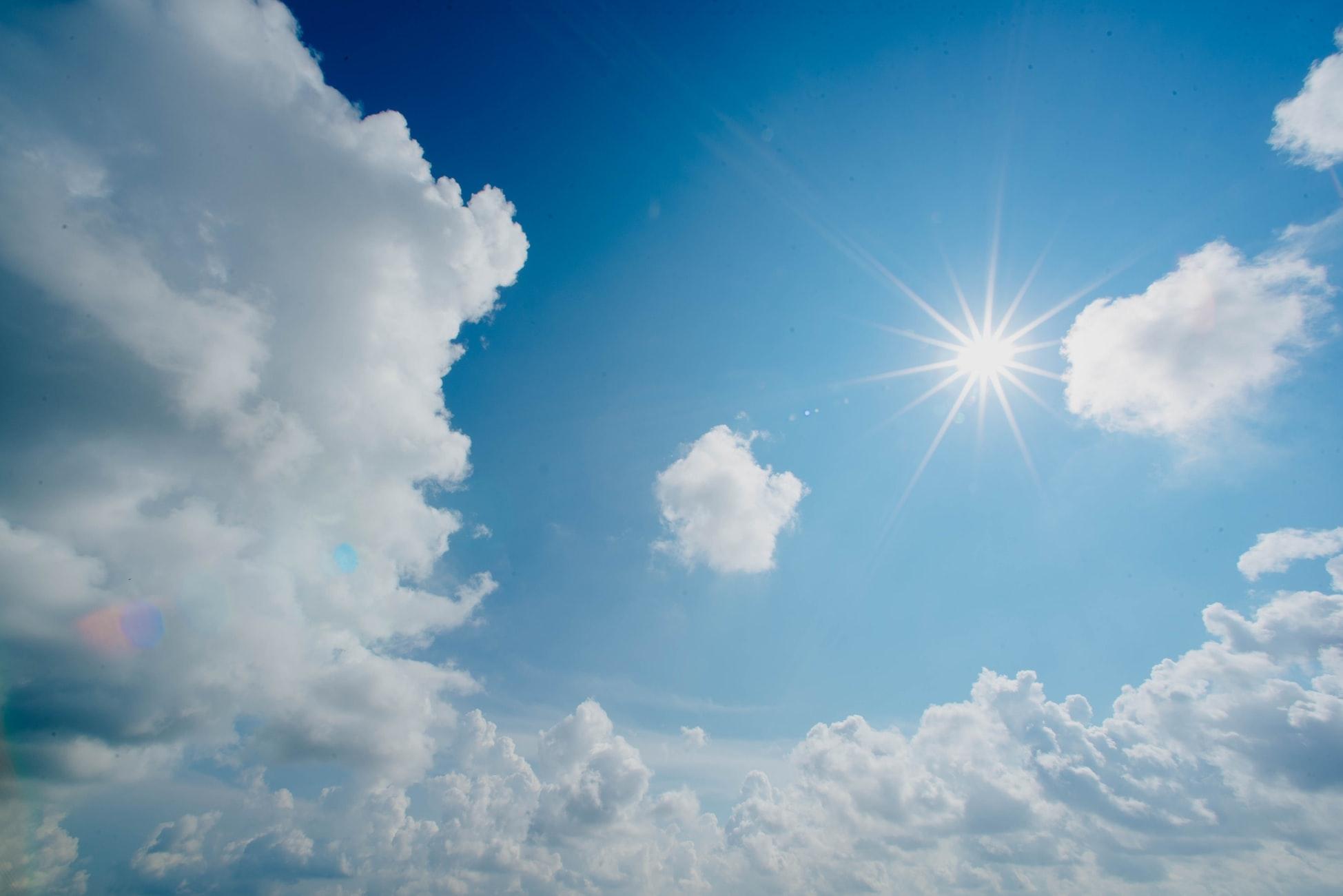 2:手にも忘れずに日焼け止めを