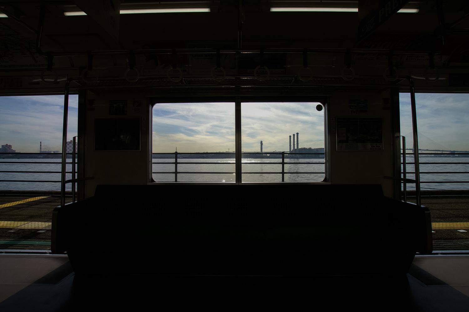 1:海の見える駅まで行く