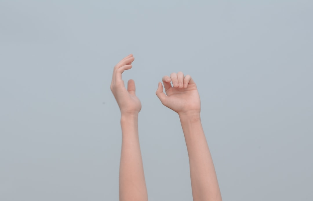 ④先の先まで綺麗な『手』