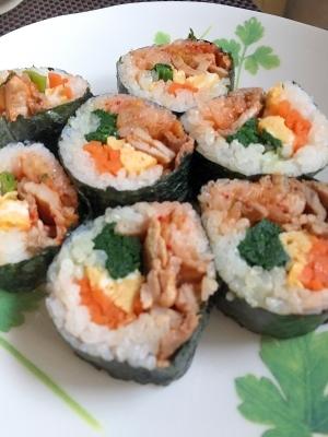 野菜たっぷり栄養満点☆我が家のキンパ巻き