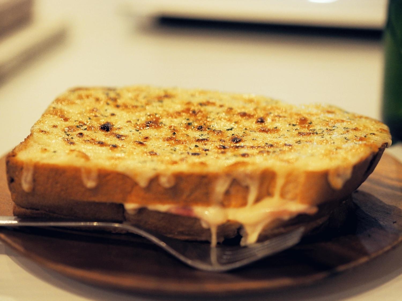 チーズをたっぷりとろけさせて…