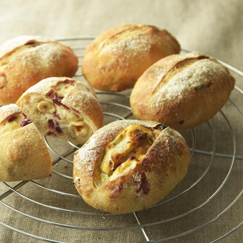 一からパン作りに挑戦!