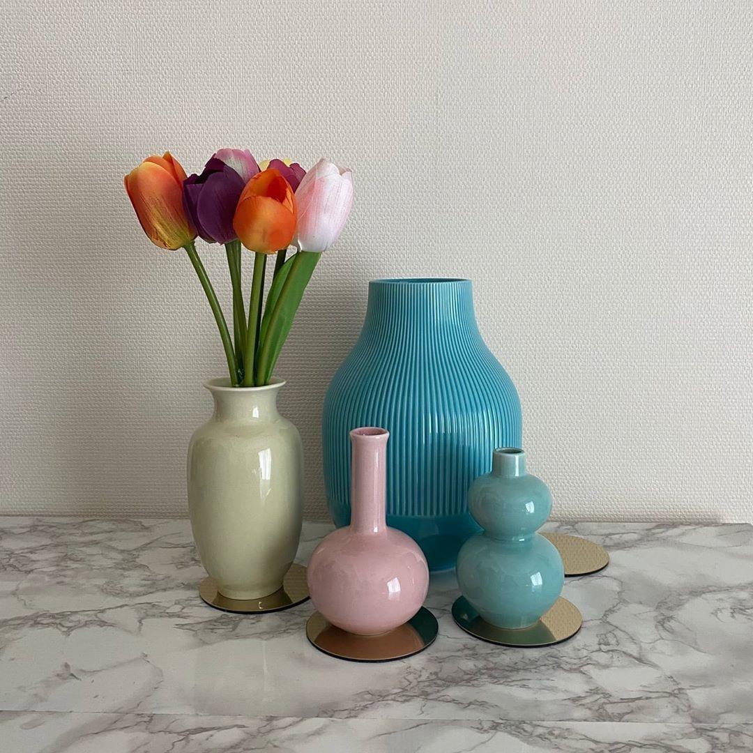 お花だけじゃなく花瓶にもこだわって