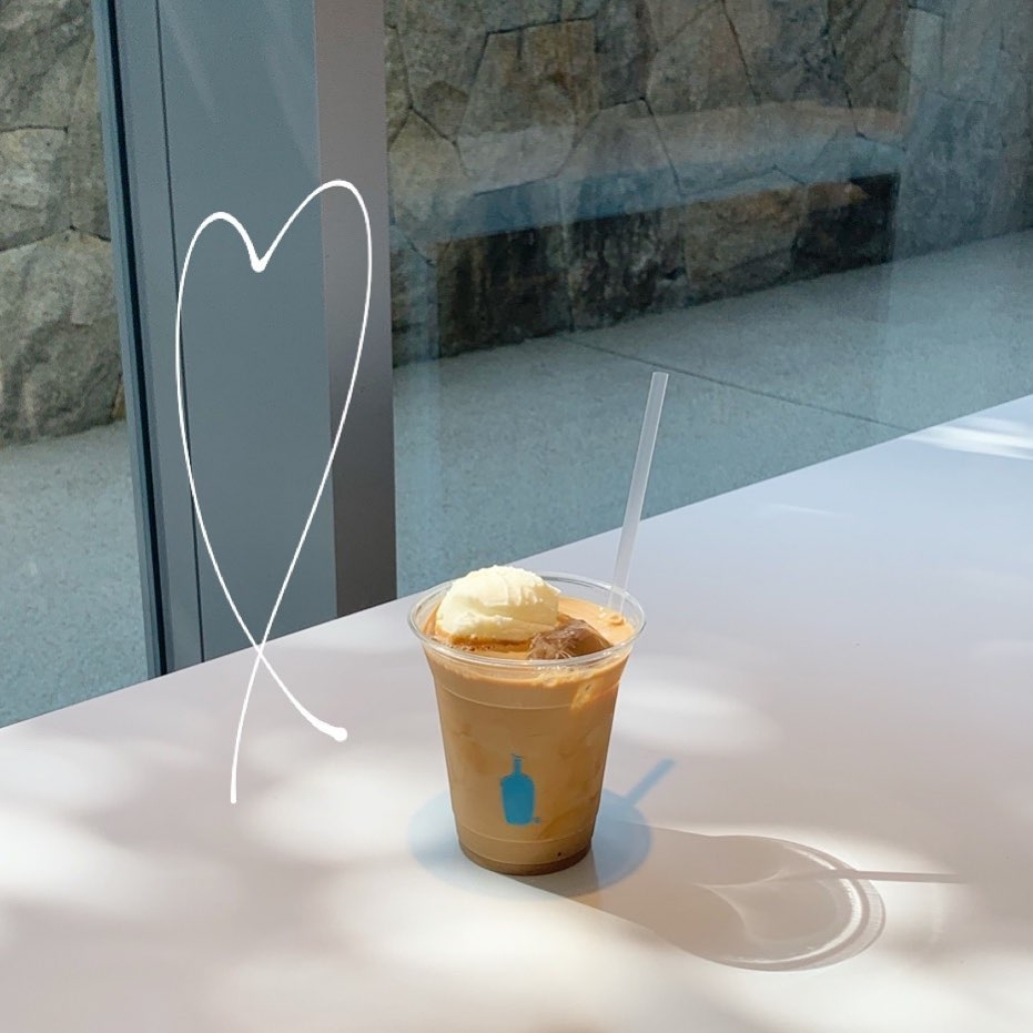 異なる魅力がいっぱいのカフェ