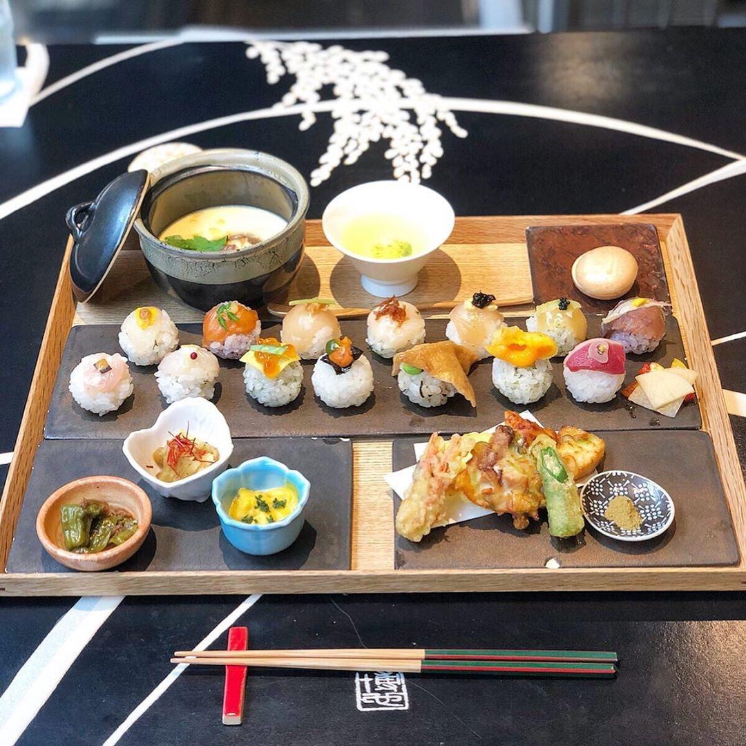 手毬寿司と日本茶 宗田