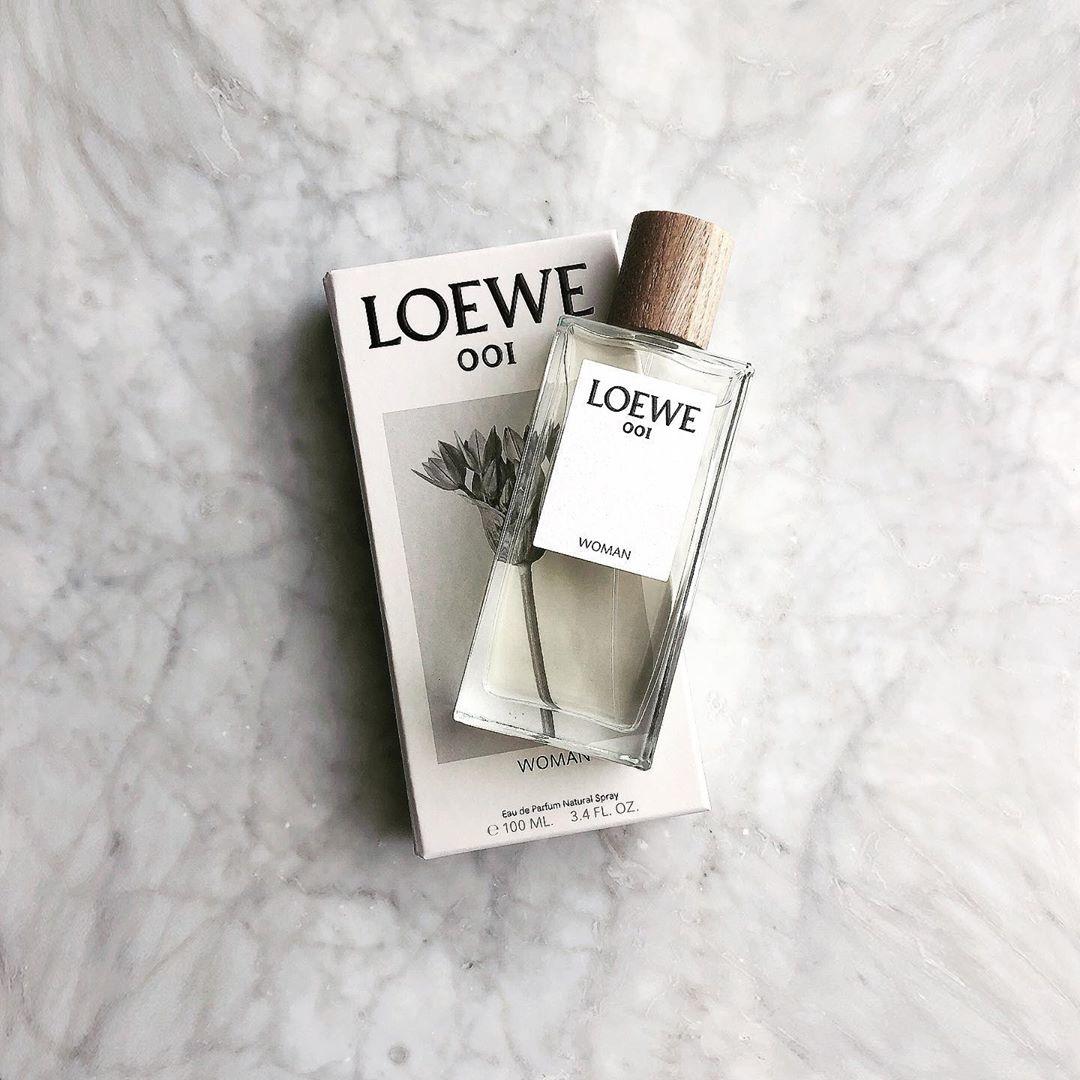 LOEWEのフレグランス