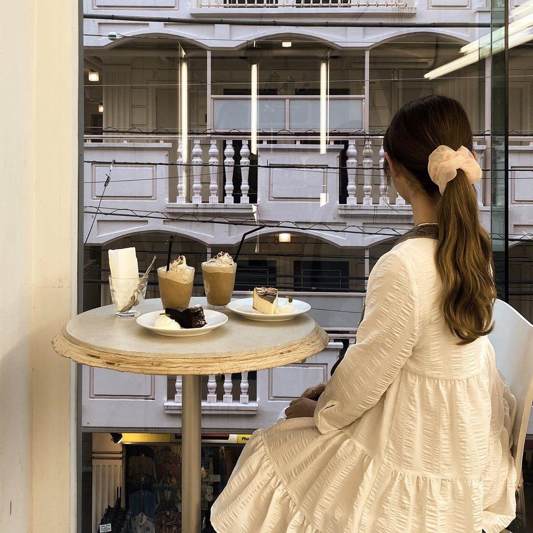 ガーリーな雰囲気のカフェなら