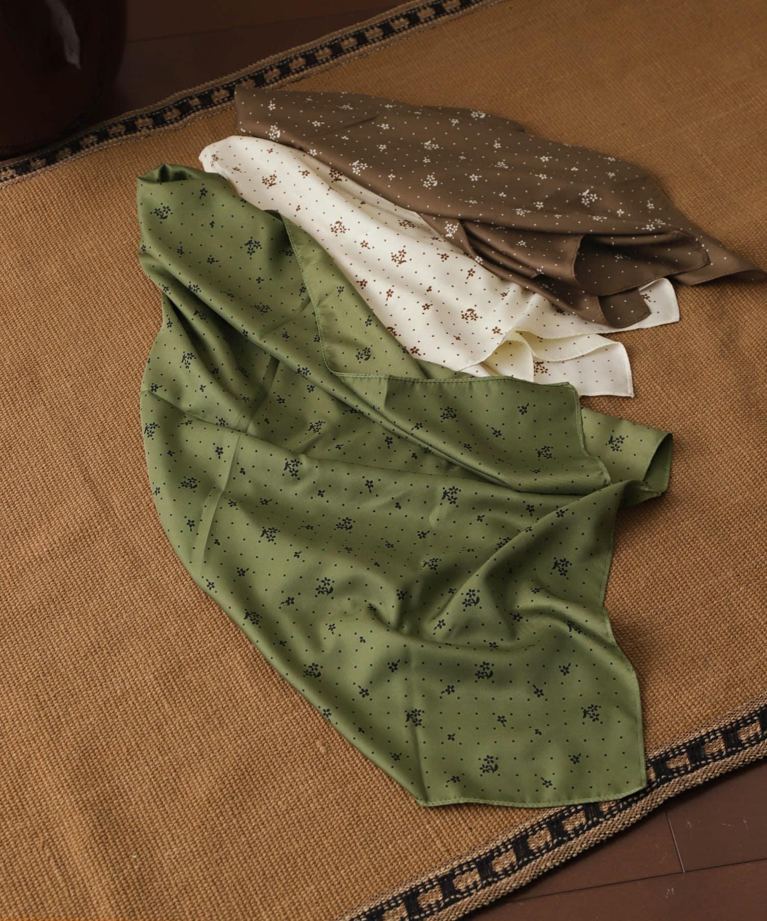 小花柄スカーフ
