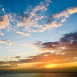 赤く染まった空に包まれたいの。デートにも癒やしにも抜群『夕日スポット』図鑑