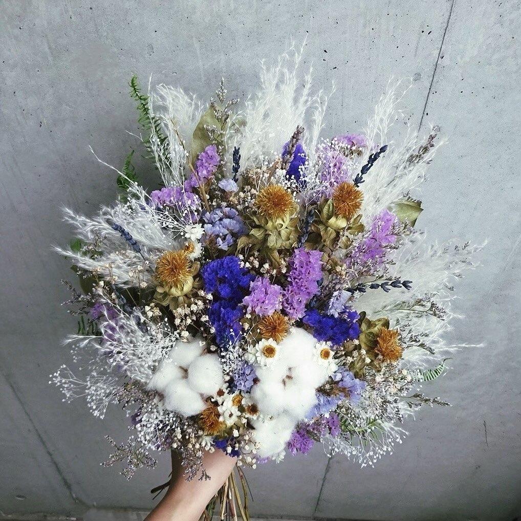 プレゼントは花束だけ?一緒に働いた仲間に贈る感謝を伝える送別用プレゼント
