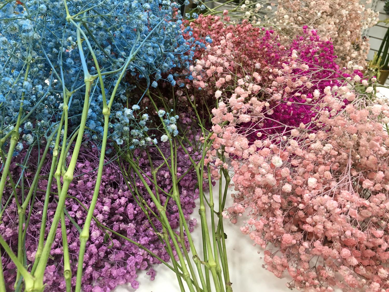 お花に囲まれて、幸せなおやつタイムを♡