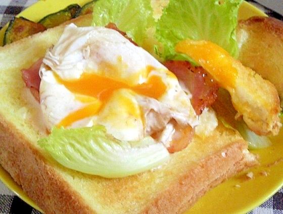 食パンと簡単ソースでエッグベネディクト風