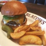 BLACOWSのハンバーガー