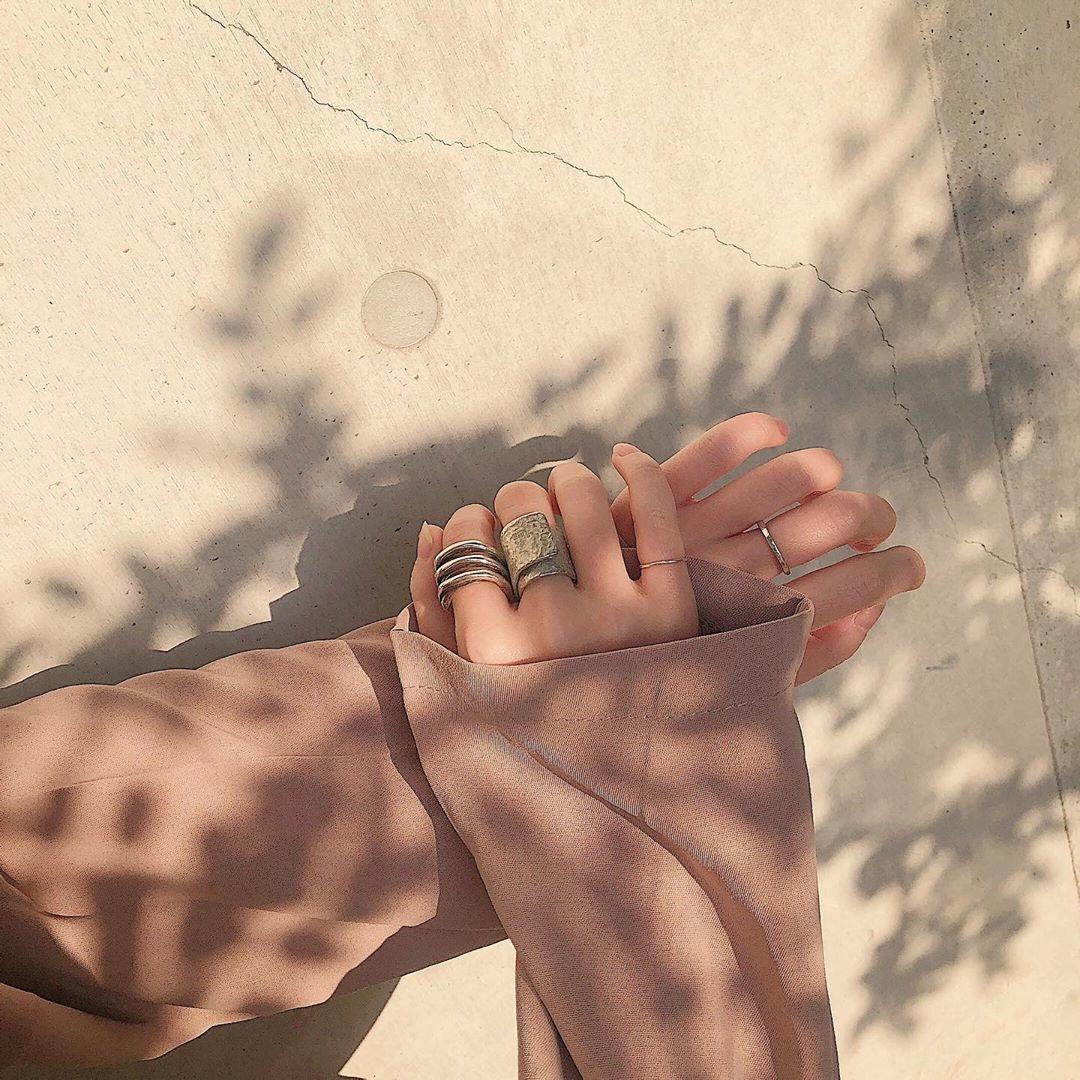 ふと触れた時を思い出す、柔らかな手の秘密